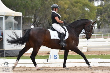 Elizabeth Sheather rode Coldstream Universe to second place in the Elementary 3.2.