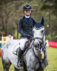 Maleah Lang-McMahon and 'Vakarra Champagne' win the class in a time of 25.349 sec