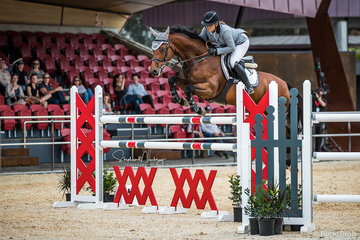 Erin Buswell and 'Quero Quero' place fourth in the class and win the Triple Crown series