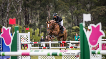 Hayley Cox and 'Redfoo' place 5th in the Junior Championship Round 1