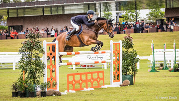 Rod McQueen and 'Equus Echo' place second going double clear in a time of 37.770 sec