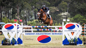Billy Raymont and 'Anton' go double clear for second in the Grand Prix Final.