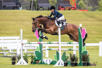 Alisa Willams and 'Versace Vision' place third in a time of 69.93 sec