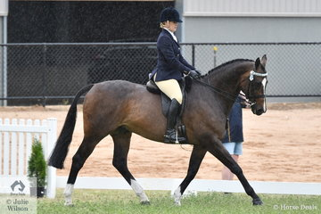 Jenny McDonald rode her, 'Star Boogieman' to make Top 5 in the Rising Star Hack/Show Hunter Championship.