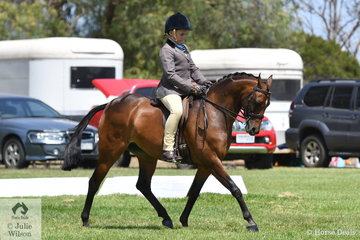 Tex Flack showed plenty of riding talent on his way to winning the Riding Pony Show Hunter Pony 12.2-13.2hh class riding his home bred, 'Manorvale Pop Rock. They went on to claim the Riding Pony Child's Show Hunter Pony Championship.