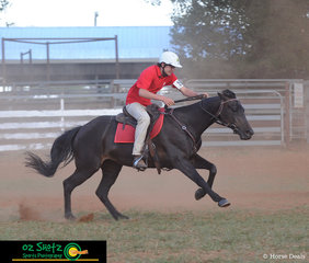 Waisting no time at all, Mathew Sisson and Mandy sent it all the way home in the 15 years and Under 17 Barrel Race..