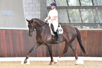 Well known former show hack rider and three time Garryowen winner, Shae Russo rode 'Blooomfield Royal Artist' to fifth place in the 5yo Young Horse Round One.