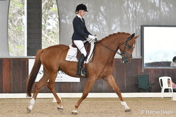 Victoria Stuckey rode her mother's homebred, 'Mayfield Kindred Spirt' to third place in the 5yo Young Horse Round One.