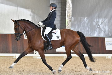 Sara McDonald rode 'Adlanta Marcella' to third place in the 6 yo Young Horse Round One.