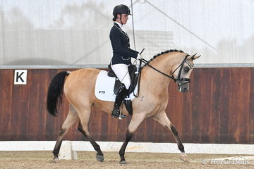 Megan Forrest rode 'Gleniph Tiramisu' to second place in the 6 yo Young Pony Round One.