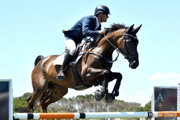 James Harvey jumped a sensational round against the clock riding Des Russell's imported and talented German mare, 'Castlederg' to win the Flexible Fit Future Stars class.