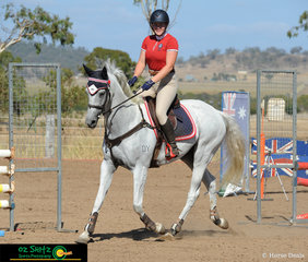 After travelling up from drought stricken NSW, Kelsie Cranston and Showtown lived up to his name trotting into the 1m Super Two phase qualifier on Saturday morning.