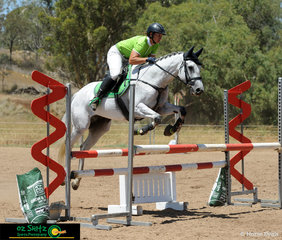 With a lightening fast time, Jaime Page and Whizkey and Diamonds took out the win in the 1m Super Two Phase Qualifier on Saturday.