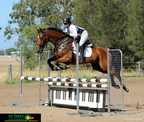 After travelling up from Canberra, Danae O'Keefe and Prospect Hill Global Adition jump a super round in the 1m class.