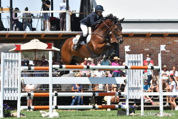 2018 Austalian Showjumping Champion, Amber Fuller is pictured aboard Mary-Lou Potts wonderful, 'CP Aretino' (Vivant/CP Argentina) on their way to ninth place in the Robertson-Smith Partners Equine Vets World Cup Qualifier.