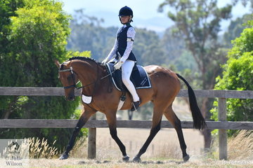 Alex Sfregola  representing the Biddlesden Riding Club rode her, 'Simmering' to win the class for HRCAV Mount Most Suitable Level 3