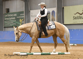 DOCS ROCKIN OAK RIDDEN BY BIANCA THOMAS IN THE AMATEUR SENIOR HORSE TRAIL