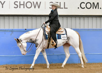 NAOMI BIANCON RIDING SPH OUR TOUCH, IN THE SENIOR HORSE WESTERN PLEASURE
