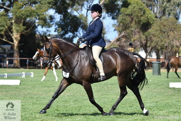 Muirne Reilly rode her, 'Cheraton Art Deco' to make Top 10 in the Child's Small Show Hunter Galloway Championship.