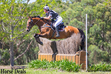 Soigne Jackson and Warrego Collateral Damage only had time penalties and no jumping penalties in their cross country round.