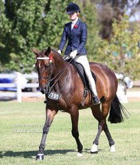 Elly Sabidussi placed Top 10 in the Rider 15 & under 17 years event.