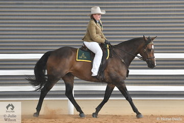 Ashlee Carrigan-Walsh rode her well performed, 'Kardinia Jackman' to take fourth place in the class for Hack Gelding Over Five Years, Over 15hh.