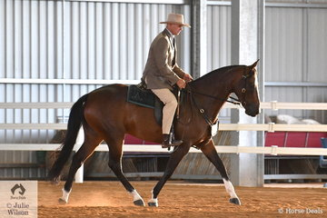 Jamie Beer rode the Beer Family's gelding, 'Parra Last Request' to claim the Junior Working Championship.