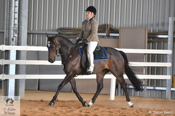 Becky Hallett rode Coolamert Rock N Roll to take overall fourth place in the Hack Challenge.