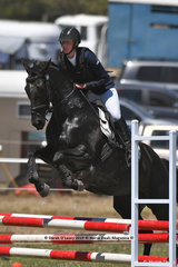 """SOUTHERN SUNSET"" ridden by Genevieve Nicholson in the EV65 Showjumping Phase"