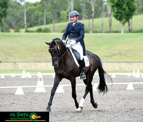 With the top 7 scoring above 70% Heath Ryan and Wimborne Constable held the lead with a 73.18% after the dressage phase of the CCN4 Star at the Sydney Eventing Summer Classic.