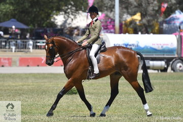Tyler Kelly stepped aboard the J and R Equestrian and Matilda Longbottom nomination, 'Powerplay' to win the class for Child's Show Hunter Over 16hh and take out the Child's Show Hunter hack Championship.