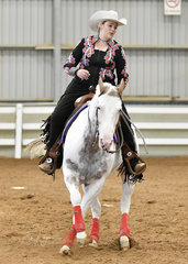 Naomi Biancon riding SPH Our Touch in the Senior Horse reining