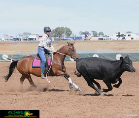 The frst cab off the rank for the Novice Campdraft was Bridie Akeroyd and Bridies Destiny.