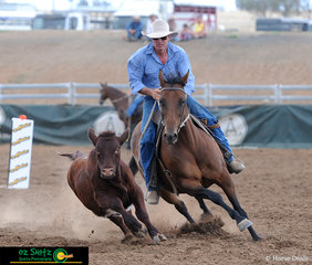 Getting the job done with style to score a 90 in the Novice Campdraft was Craig Ervine Henrys Fortune.
