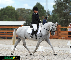 Jodie Spresser and Tocal Kascade riding a perfect trot in the Preliminary 1B at the ASH Nationals, Tamworth.