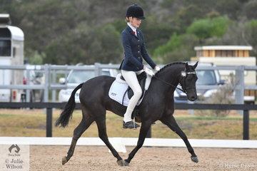Jessica Dertell rode Cherie Mills', Palm Park Adoration, to seventh place in the Mulawa Arabian Stud's Arabian Derivative API Preliminary test.
