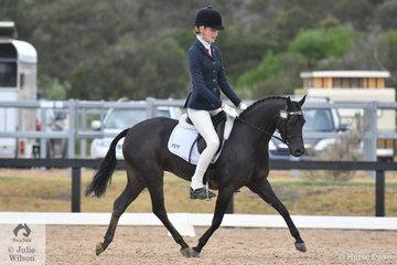 Jessica Dertell rode Cherie Mills', Palm Park Adoration, to seventh place in the Mulawa Arabian Stud's Arabian Derivative API Preliminary test.