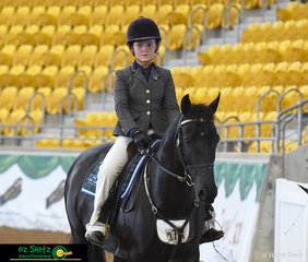 Maddison Fullgrabe enters the arena with Heathville Sparkle to compete in the Sendior Open Working Mare 5 Years and Over