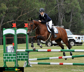 Displaying great teamwork in the Combined Training 95cm Show Jumping phase was Kent and Campione GNZ.