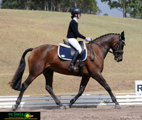 Gracing the arena on day four of the NSW Interschool State Championships is Emma Jewell riding Duell Expression, competing in the Secondary Intermediate Novice class.