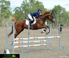 Madison Simpson had a busy weekend with three rides, she is pictured here on Flying Star in the EvA105 Showjumping held on Saturday afternoon.