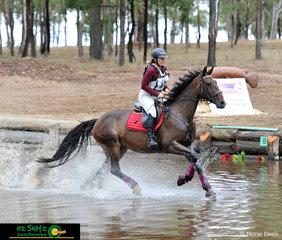 Making waves through the Warwick Horse Trials EvA95 water complex was Jo-anne Williams and Jurara Keanu.
