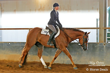 Tally S Kissed Out On Colour & Jenna Rathgerber claimed success in Sunday's Hunter Under Saddle classes.