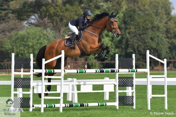 With a last minute change of rider, Jamie Winning-Kermond stepped aboard her husband's, WEG mount, Yandoo Oaks Constellation to jump a scopy clear jumping round in the Rivenlee Current Star class.