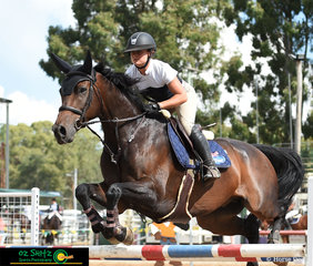 What a way to start the show for Hayley Morris and Balmoral Henton taking out the win in 1.25m-1.35m Welcome Stakes.