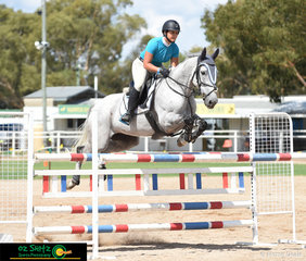 Holly Penfold had a perfect ride on her 9 year old Warmblood, Just Dutch by Dutch Choice in the 1.25m -1.30m class on the second day of the 2019 Warwick Show.