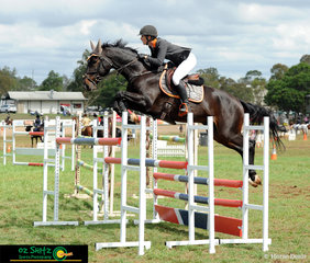 Competing in the 1.40m Mini Prix at the 2019 Toowoomba Royal was Mattea Davidson and Idol D.