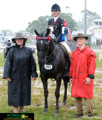 Despite the not ideal weather conditions on the final day 2019 Toowoomba Royal Show, Lara Parnell rode beautifully resulting with the win of Supreme Champion Rider.