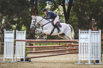 Kelly Lees and Ohio Silver from Tallangatta in North East Victoria in the Saturday's 125cm