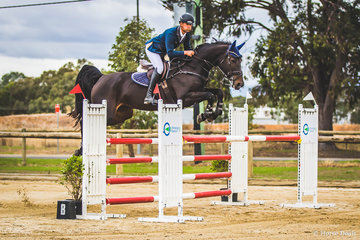 The very consistent James Harvey and the very talented mare Castlederg from Victoria's Yarra Valley  placing second in Sunday's future stars championship